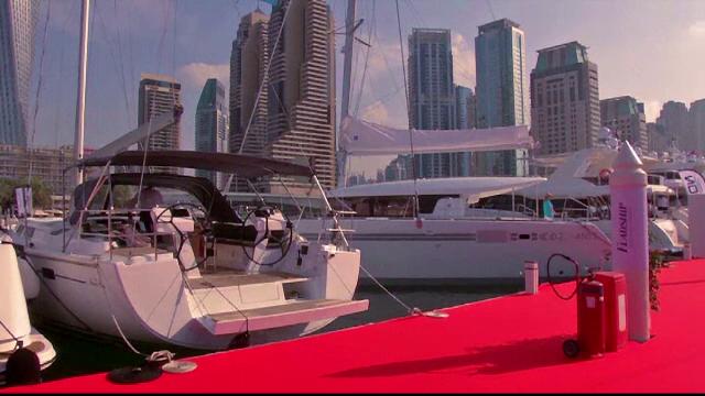 Targul de iahturi din Dubai. Cum arata ambarcatiunea de 20 de mili. de euro cu cinematograf la interior si piscina exterioara