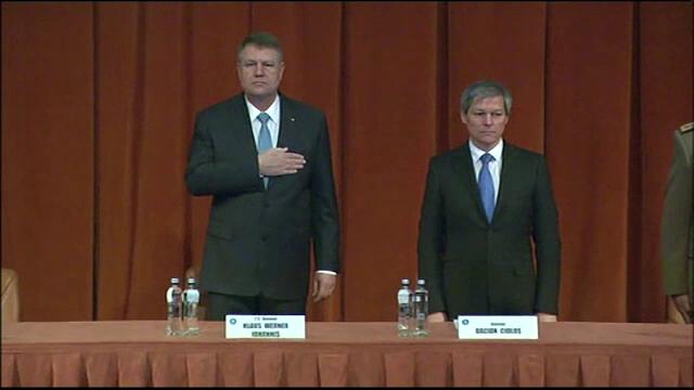 """Iohannis atacă din nou USR: Sunt """"crizatorii"""" care, """"în loc să facă reforme, au produs crize"""""""