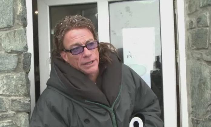 Jean Claude Van Damme, filmari spectaculoase la Balea Lac. Fanii au asteptat ore intregi pentru un autograf