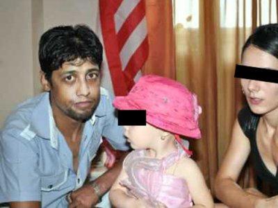 Un cantaret de manele, plecat in Marea Britanie, si-a injunghiat sotia de 11 ori. Femeia e in stare critica