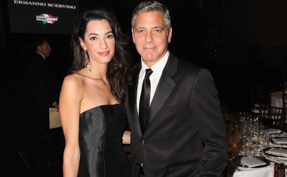 George Clooney şi soţia sa au donat 1 milion de dolari unei organizaţii