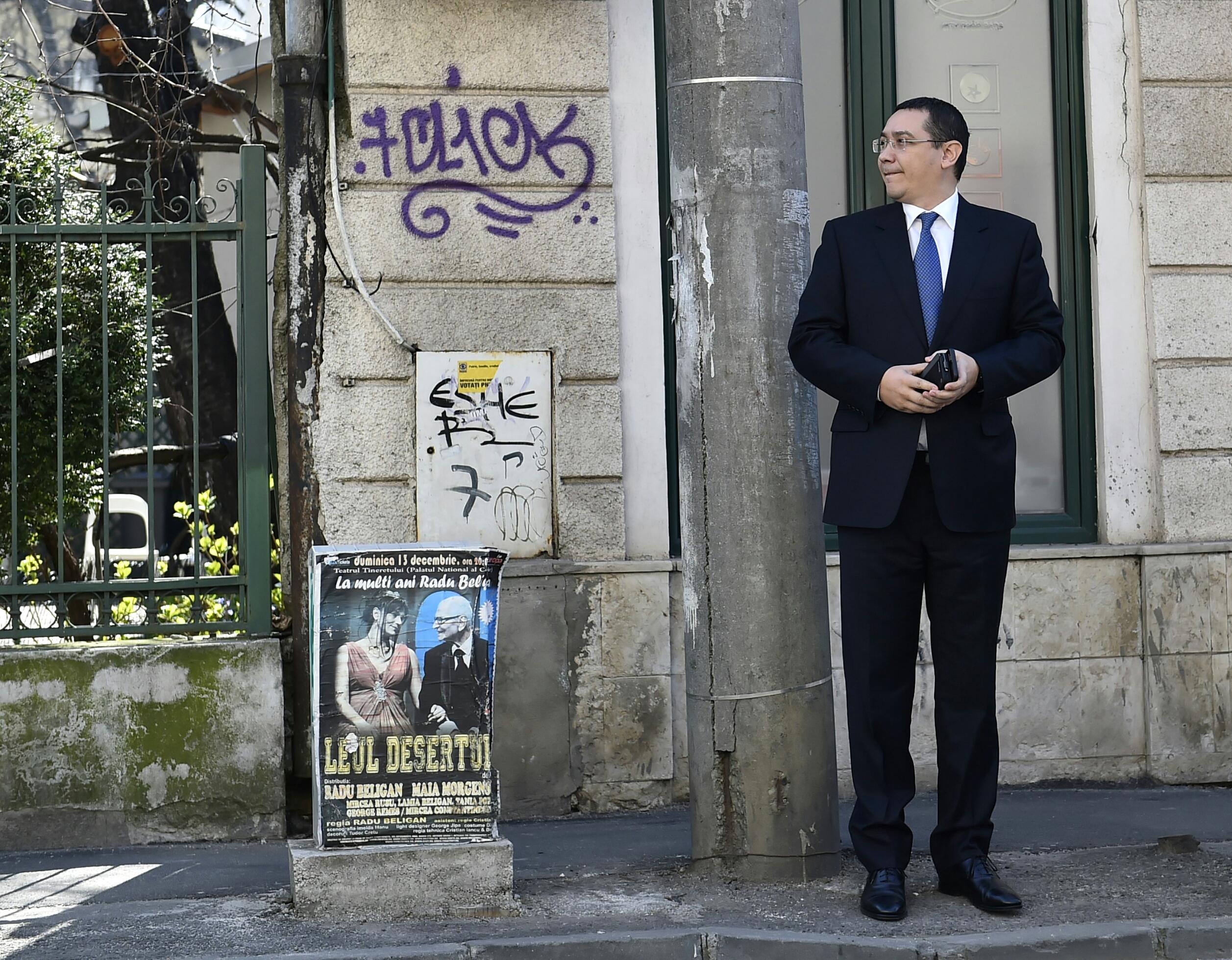 Victor Ponta si Dan Sova, la Instanta Suprema. Cum l-a ironizat fostul premier pe presedintele Iohannis