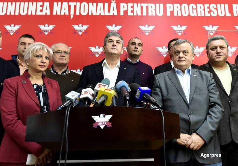 Grupul parlamentar UNPR din Senat s-a dizolvat, dupa ce 6 senatori si-au anuntat demisia in plen