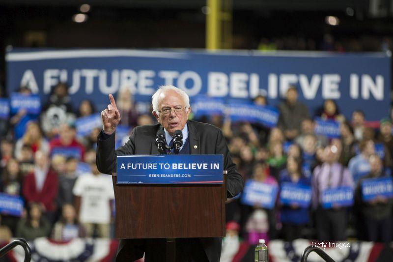 Mesajul unui istoric roman din SUA pentru Bernie Sanders.