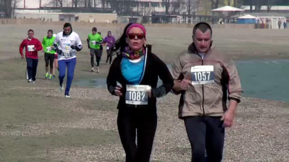 Singurul maraton pe nisip din Europa are loc la Mamaia. Soldati americani se intrec cu catei si cu