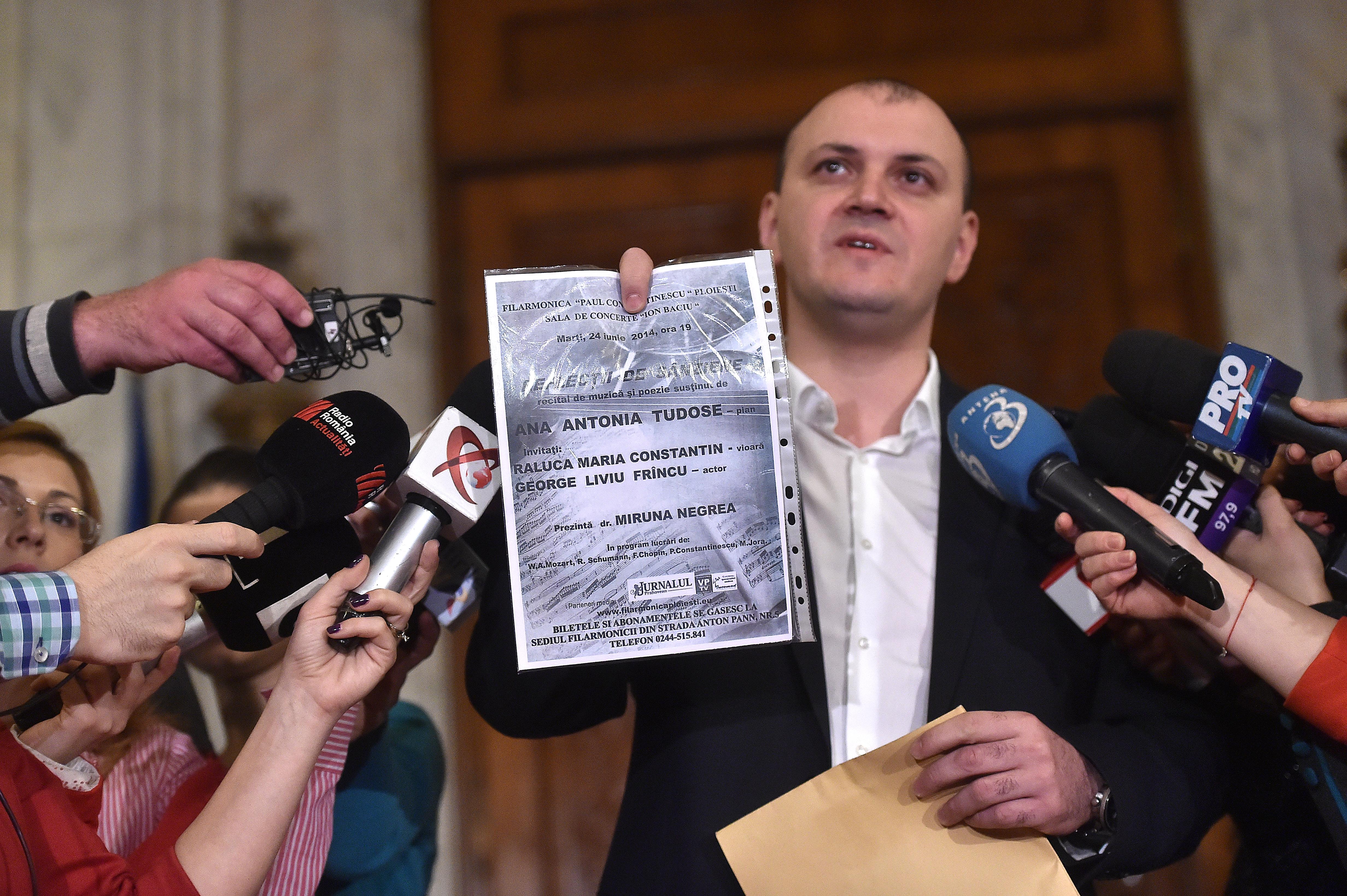 SURSE: Sebastian Ghita i-a cerut in genunchi lui Liviu Tudose sa il salveze pe Mircea Cosma de o ancheta