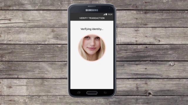 Aplicatia cu care iti platesti cumparaturile cu un selfie. Avantajul major pe care il ofera fata de introducerea PIN-ului