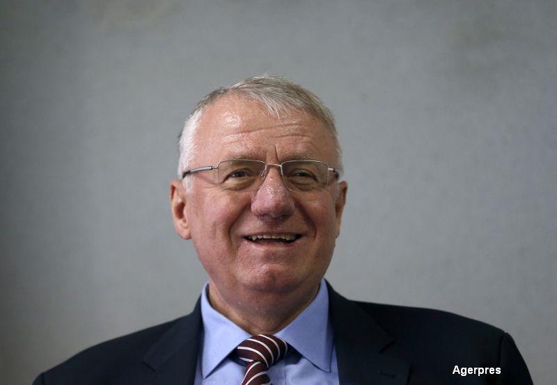 Ultranationalistul sarb Vojislav Seselj, acuzat de crime de razboi si crime impotriva umanitatii, a fost achitat