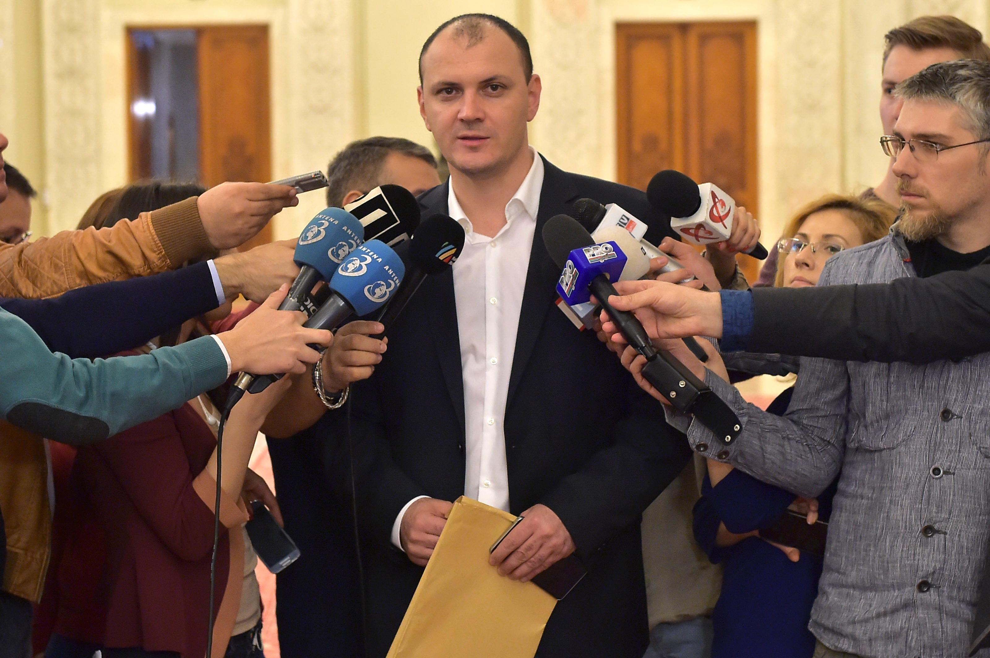 Cautiune de 13 milioane de euro pentru Sebastian Ghita. Surse: Un deputat il acuza ca l-a santajat