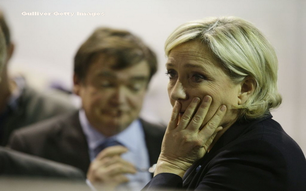 Manuel Valls anunta ca va vota pentru Emmanuel Macron la prezidentiale.