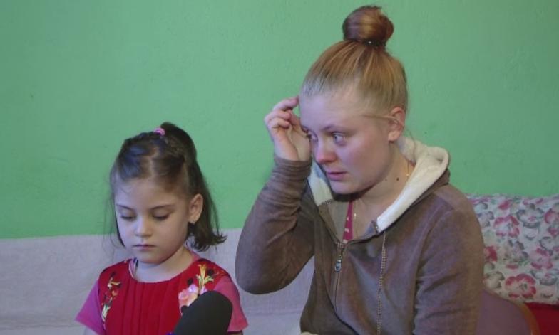 Valentina sufera de malformatii la coloana si la picioare si orice ajutor e binevenit. Parintii au nevoie de 12.000 de euro