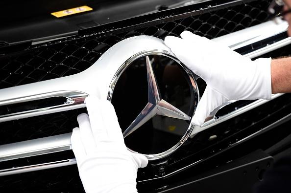 Mercedes va rechema 1 milion de autovehicule din toata lumea. Unele defectiuni pot produce un incendiu la bord