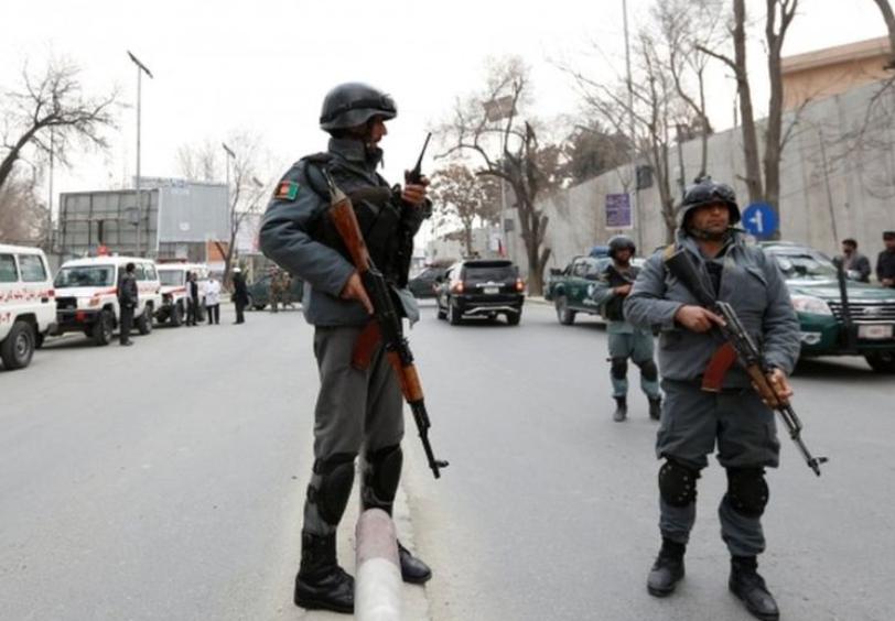 ISIS revendica atacul de la cel mai mare spital militar din Afganistan, luat cu asalt de barbati inarmati imbracati in medici