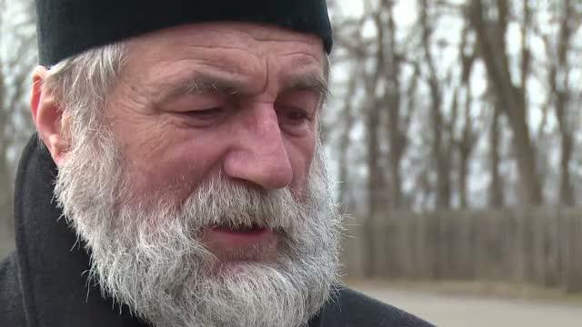 Staretul unei manastiri din judetul Vaslui, talharit in miez de noapte de patru atacatori, cu fetele acoperite. Ce au furat