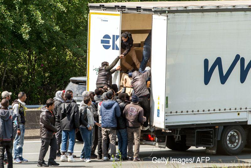Soferul roman arestat in Spania pentru ca in camionul sau au fost gasiti 8 irakieni a fost eliberat. Ce au spus autoritatile