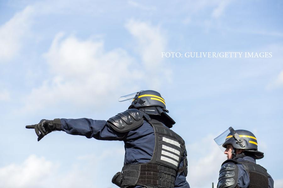 Operatiune antiterorista in Reunion. Doi politisti francezi au fost impuscati de un tanar