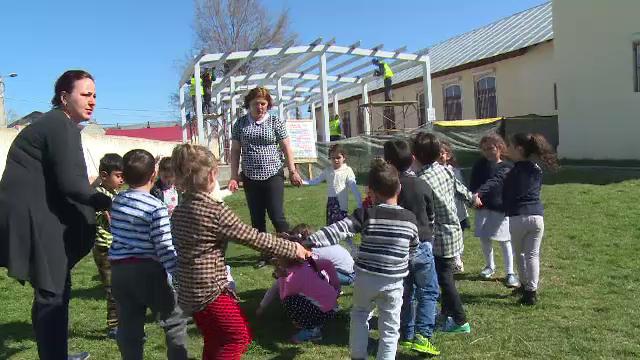O gradinita va fi construita, cu bani norvegieni, pentru 60 de copii din comuna Potlogi. Care este rolul proiectului