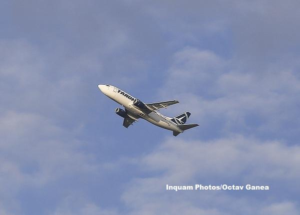 Noi probleme pentru un avion TAROM. Pasagerii au fost trimisi la destinatie cu autocarul