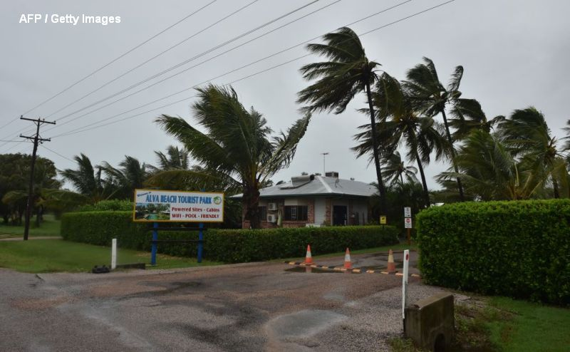 Ciclonul Debbie a lovit din plin Australia. Rafale de vant de 263 de kilometri pe ora si zeci de mii de oameni evacuati