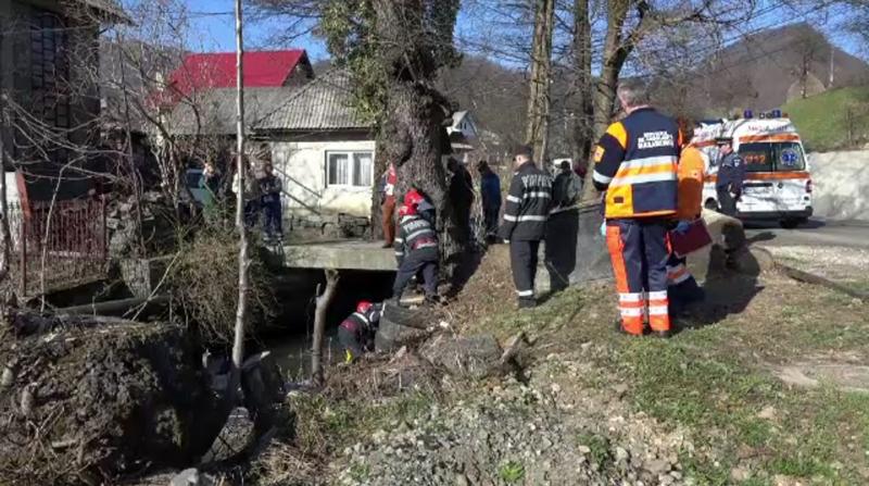 Barbat gasit mort in apele unui parau din Maramures.