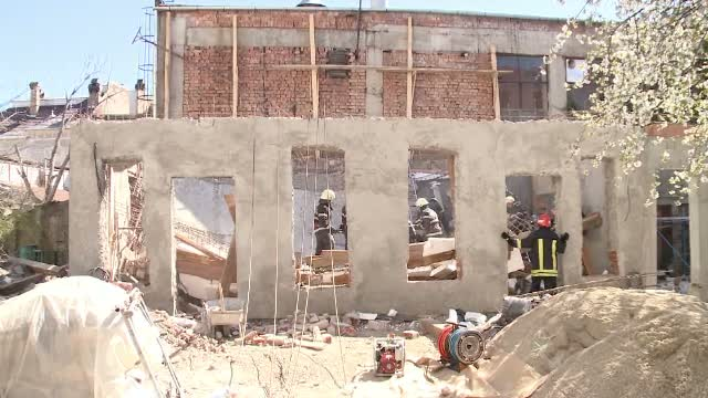 Accident de munca la Timisoara. Doi muncitori si-au pierdut viata dupa ce zidul unei cladiri la care lucrau s-a prabusit