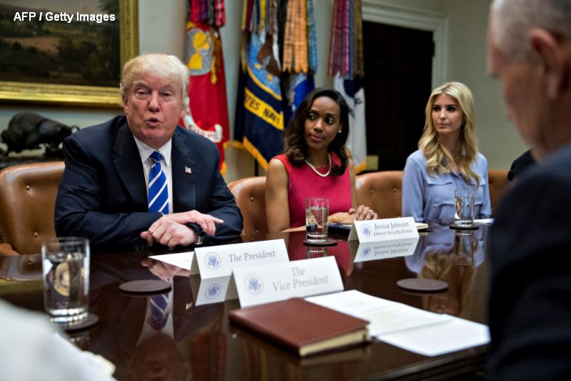 Ivanka Trump s-a angajat la Casa Alba, pentru a-si sfatui tatal. Nu va primi salariu, dar are acces la informatii clasificate