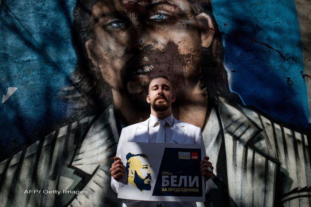 Sarbii isi aleg presedintele. Un student care si-a lansat campania pentru a ironiza clasa politica, locul doi in sondaje