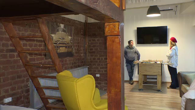 Afacerea locuințelor închiriate prin Airbnb. Suma încasată de Răzvan pe două apartamente