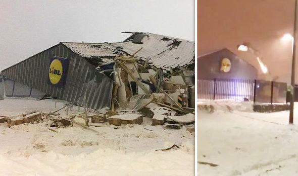 Supermarket jefuit cu excavatorul în Irlanda. Oamenii au furat un seif și alimente