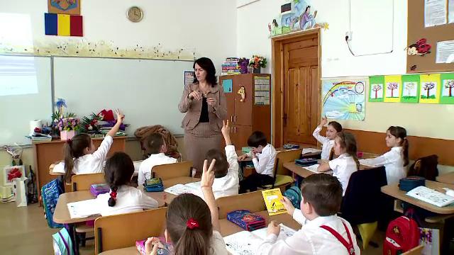 Importanța cursurilor de economie în școli. Părinții vor în schimb religie și științele naturii
