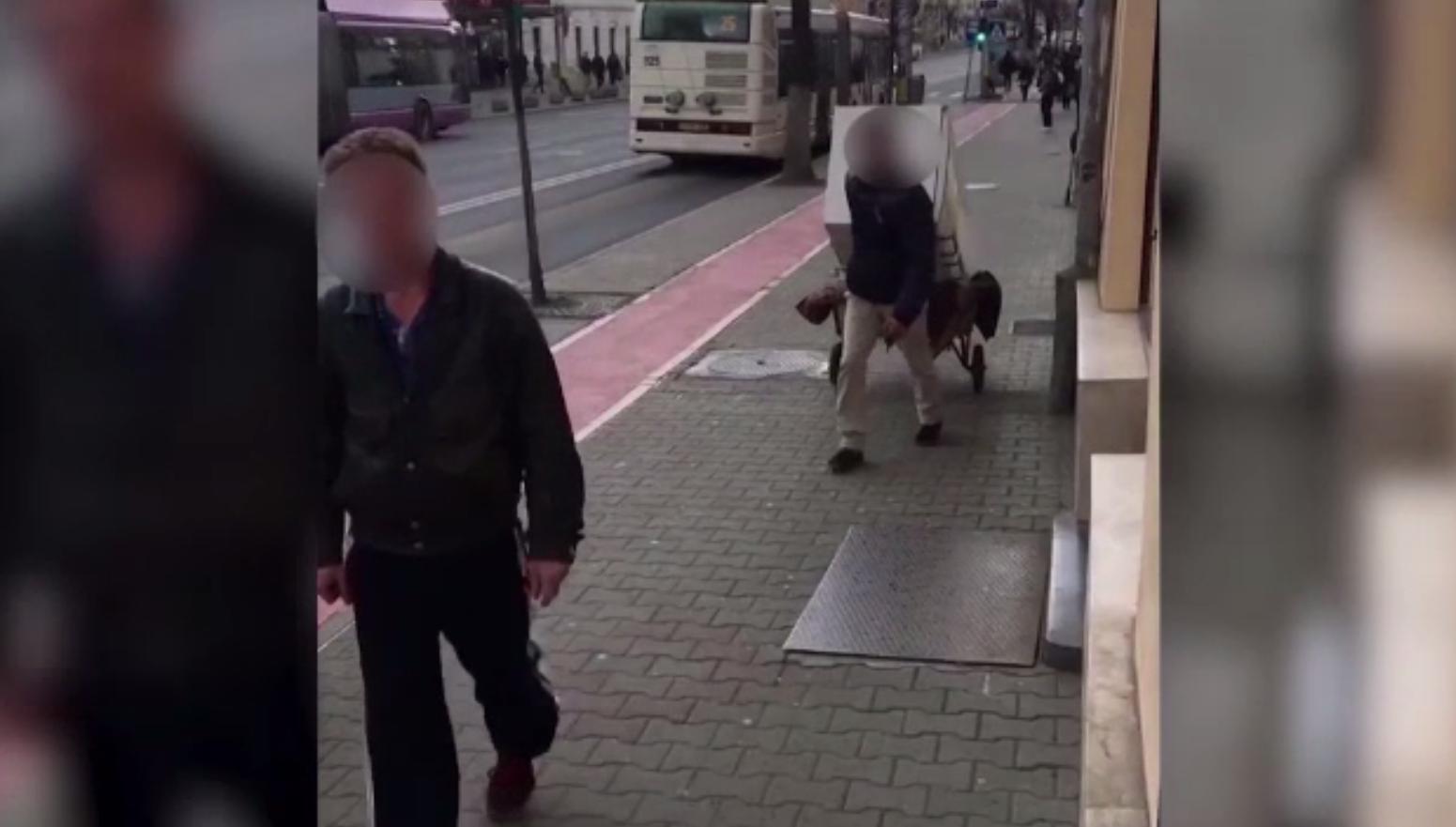Metoda inedită prin care doi hoți din Cluj au încercat să-și ceară iertare după ce au fost prinși