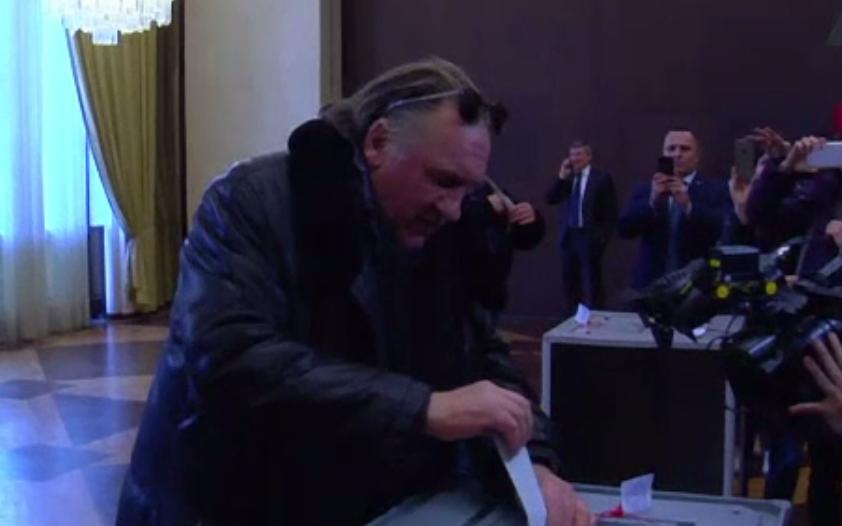 Gerard Depardieu a votat în cadrul alegerilor prezidenţiale ruse
