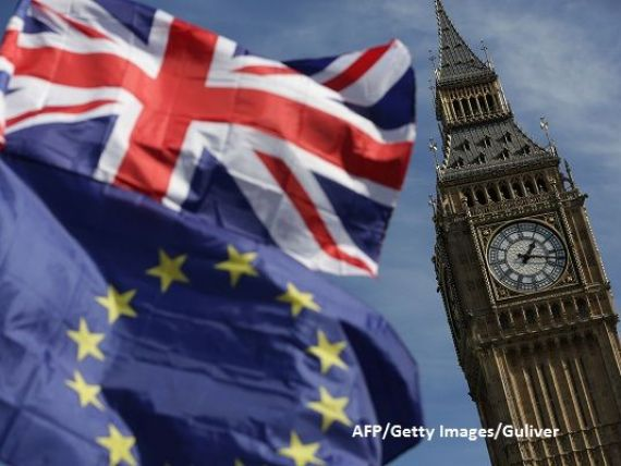 Guvernul britanic se confruntă cu primele demisii după aprobarea proiectului de Brexit