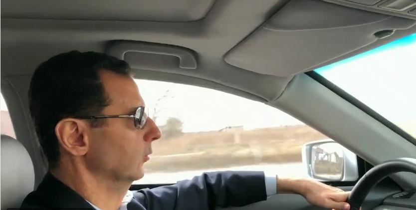 Bashar al-Assad s-a filmat în timp ce conduce prin zonele distruse din Ghouta de Est