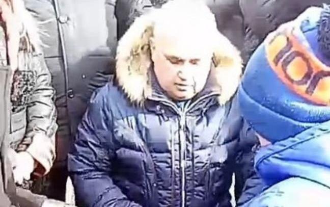 Proteste și indignare în Rusia. Oficialul care și-a cerut iertare în genunchi