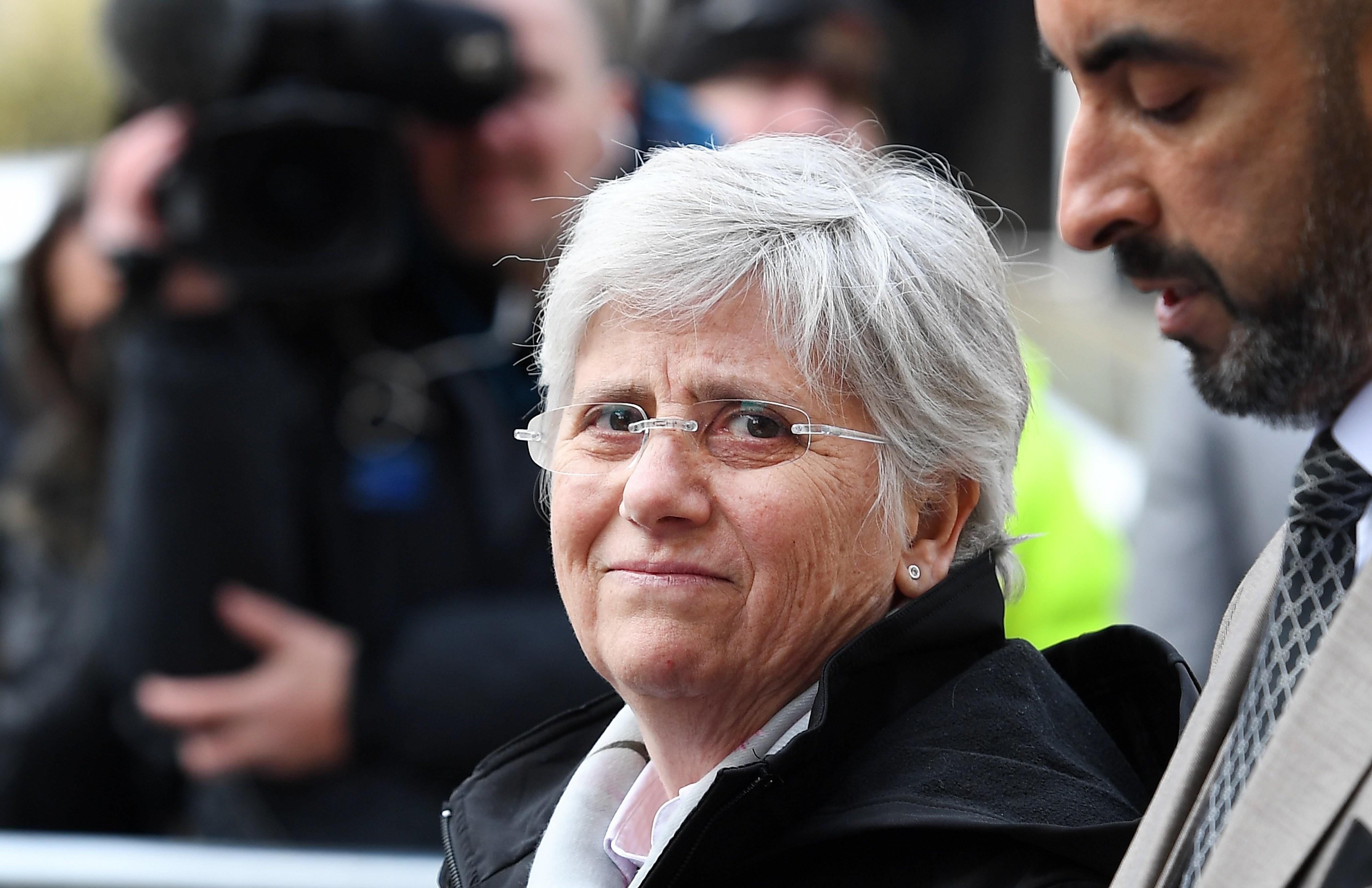 Fostul ministru al Educaţiei din Catalonia, Clara Ponsati, exilată în Scoția, s-a predat