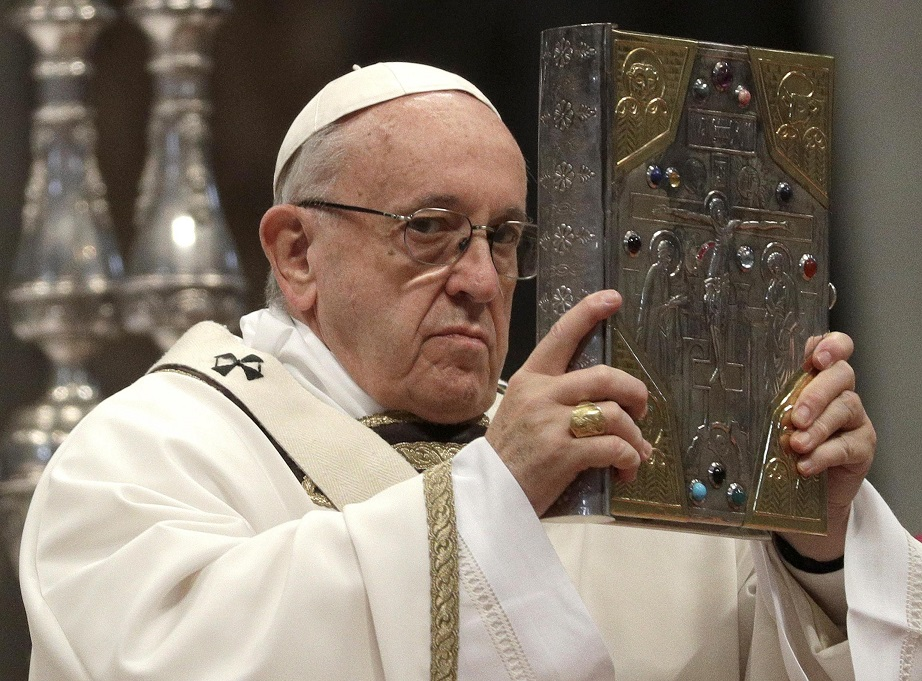 Papa Francisc i-a criticat pe politicienii catolici care au un discurs anti-migraţie