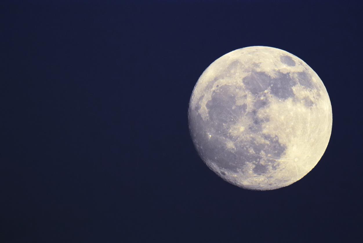 Fenomen astronomic rar: Luna Albastră. Ce spun specialiștii despre acest eveniment