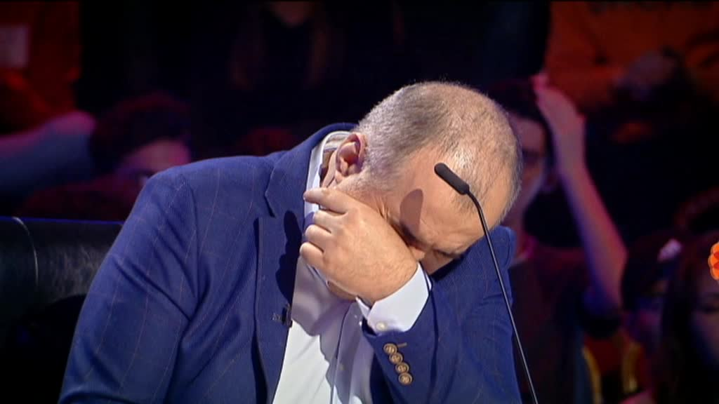 "Florin Calinescu a plans la ""Romanii au talent"", la o piesa dedicata victimelor din Colectiv. VIDEO"