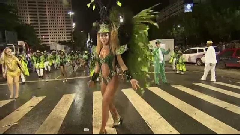Politică la carnavalul de la Rio de Janeiro. Ce nemulțumiri au dansatorii de samba