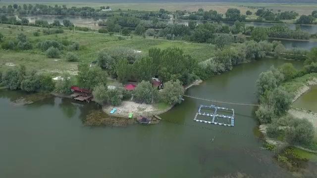 Un pilot spune că îl transporta pe Dragnea cu elicopterul pe insula Belina, plătit de PSD