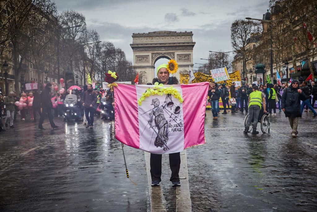 ''Vestele Galbene'' au protestat din nou în Franța. E a 17-a săptămână de manifestații