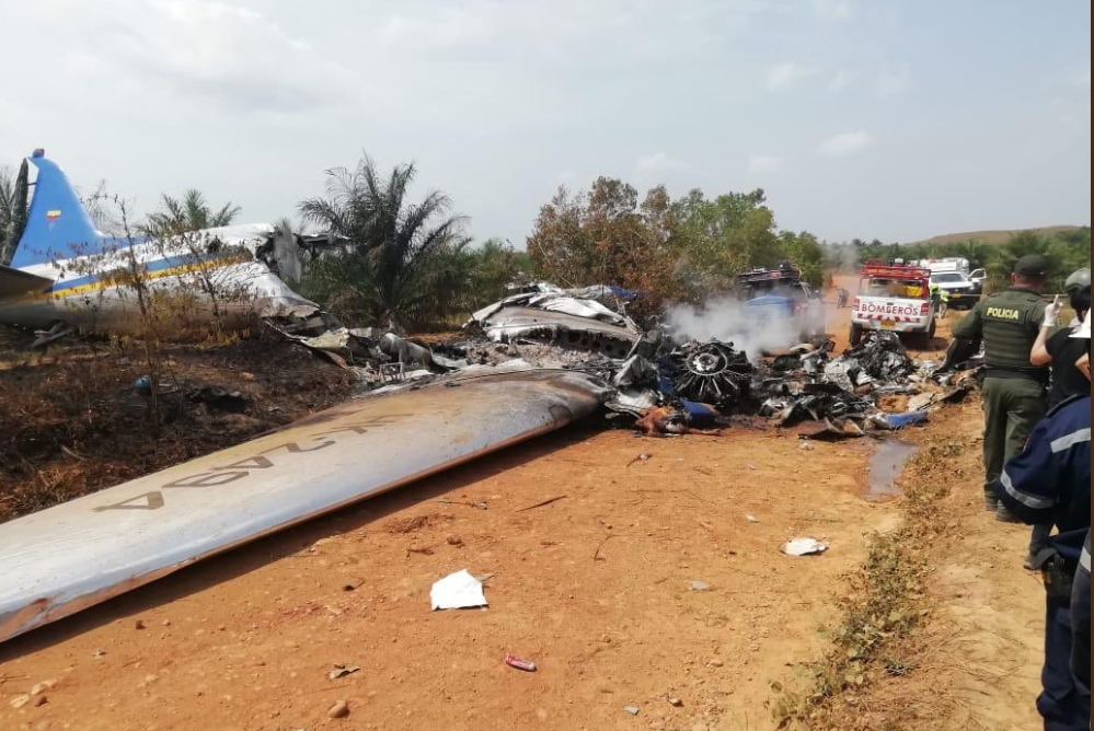 Accident aviatic într-o localitate din Columbia. Sunt 12 victime. VIDEO