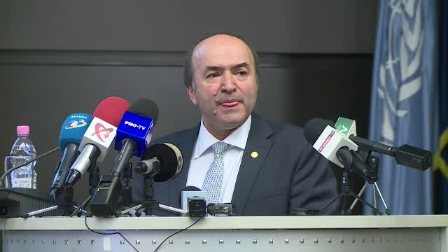 """Tudorel Toader se joacă cu nervii PSD. """"Tot trebuie decretul președintelui de revocare"""""""