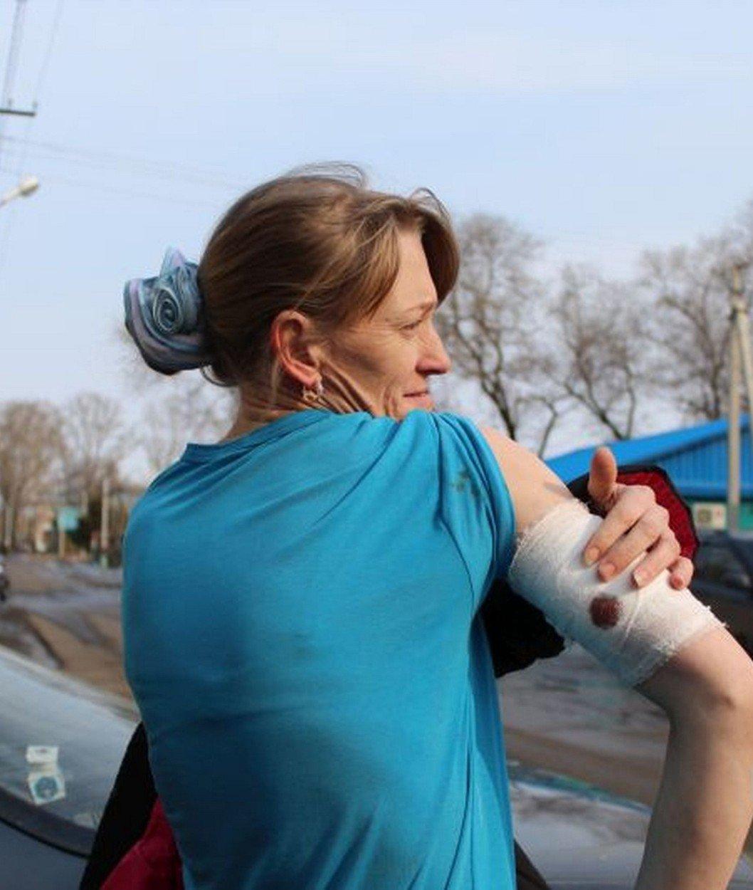 O mamă de 33 de ani şi-a salvat satul de un lup feroce care sfâşiase oameni şi animale