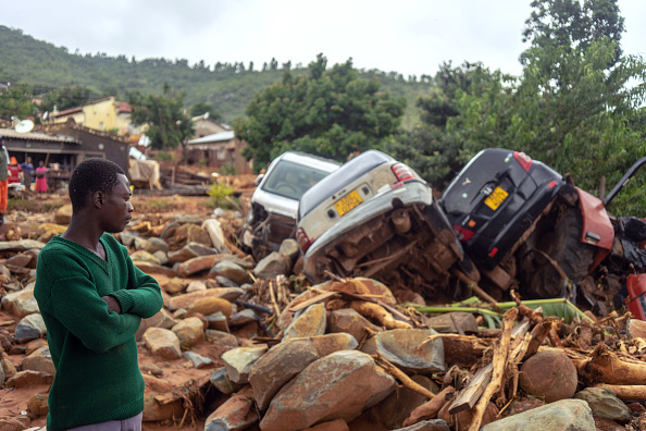 Ciclonul Idai face ravagii: Sunt 90 de morți și 75 de dispăruți în Indonezia. GALERIE FOTO