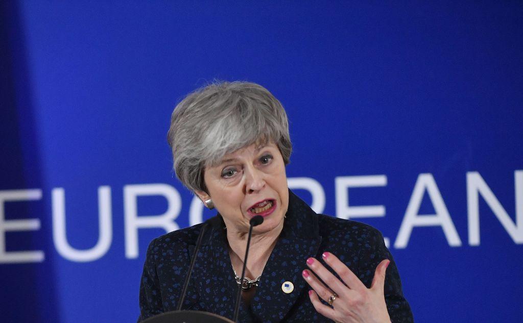 Theresa May anunţă că va demisiona înainte de următoarea fază a Brexitului