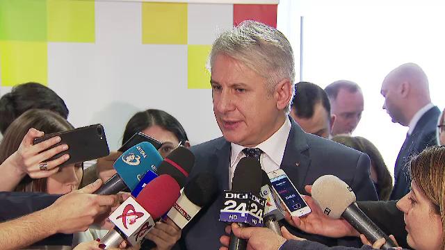 """Ministrul Teodorovici discută, astăzi, cu primarii din localități: """"Se cer anumite sume"""""""