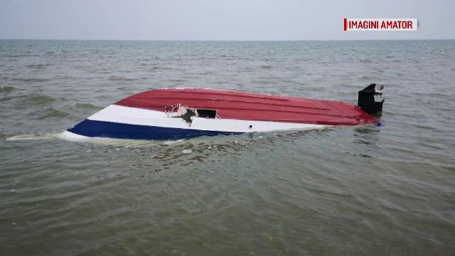 800 de kilograme de cocaină, găsite în șalupa abandonată pe o plajă aflată între Sf.Gheorghe și Sulina
