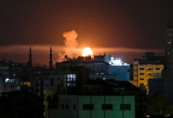 Armata israeliană efectuează bombardamente în Fâşia Gaza